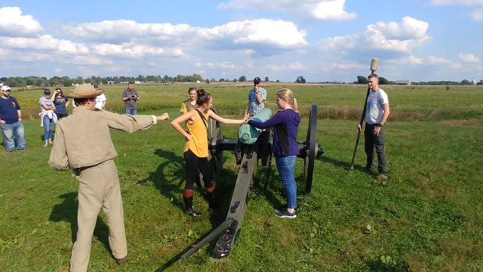 Honors students learn about history at Gettysburg, Penn.