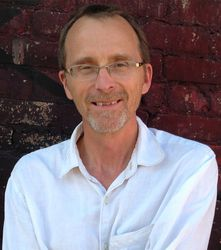 Author Dennis Hinrichsen