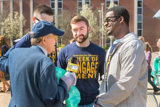 President Gee interviews student volunteers