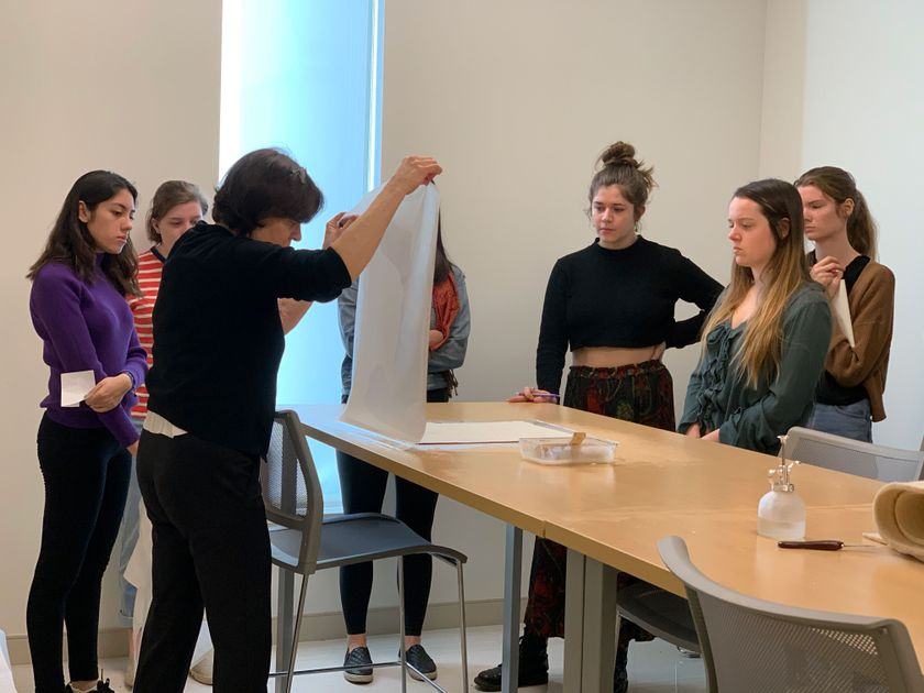 Hanna Szczepanowska teaching analytical tools to technical art history students