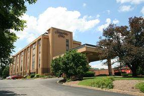 exterior of Hampton Inn Morgantown