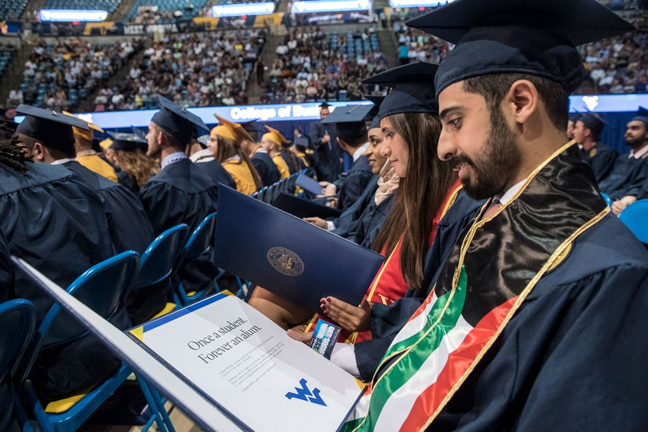 A photo from the 2018 May Commencement ceremony.