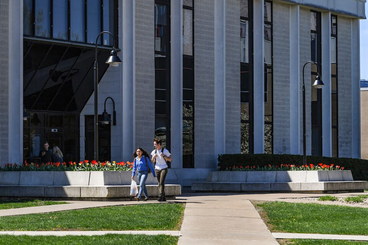 evansdale library exterior
