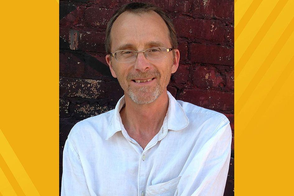 Dennis Hinrichsen portrait