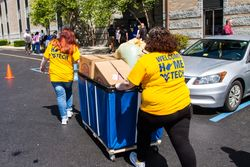 New WVU Tech students move into their residence hall during NSO 2017.