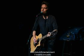Richard Marx performs at the WVU Creative Arts Center. Photo by Logan McMasters.