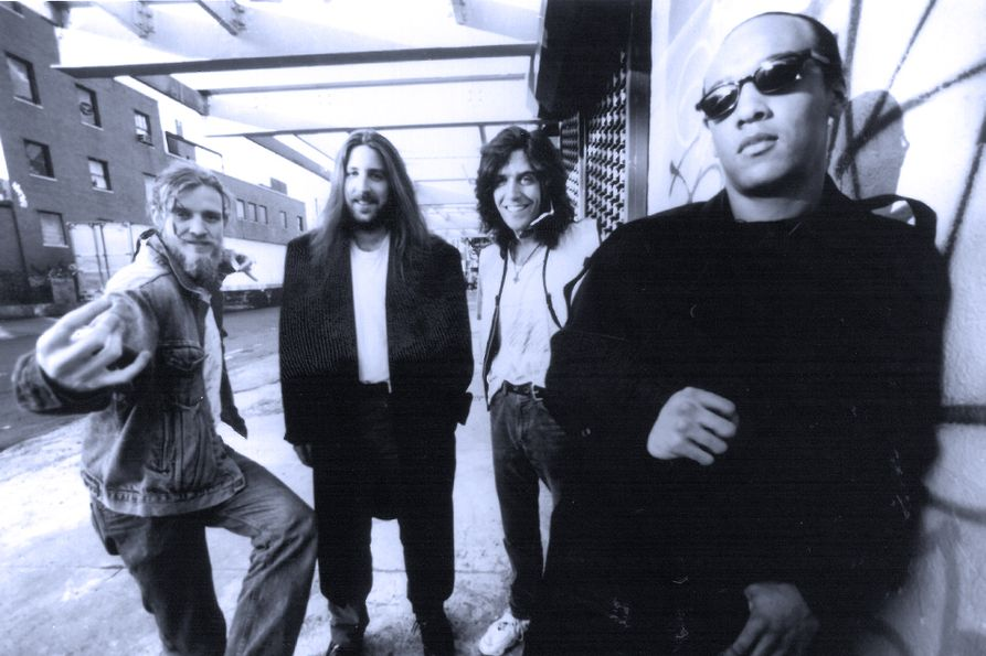 A photo of the members of the Spin Doctors