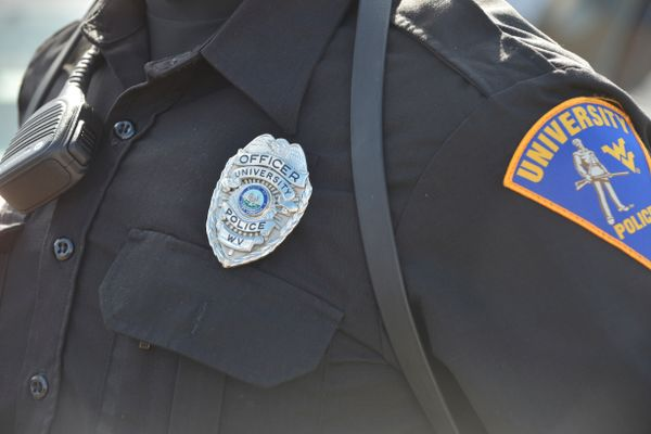 photo of badge on officer uniform