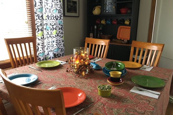 set table for Thanksgiving