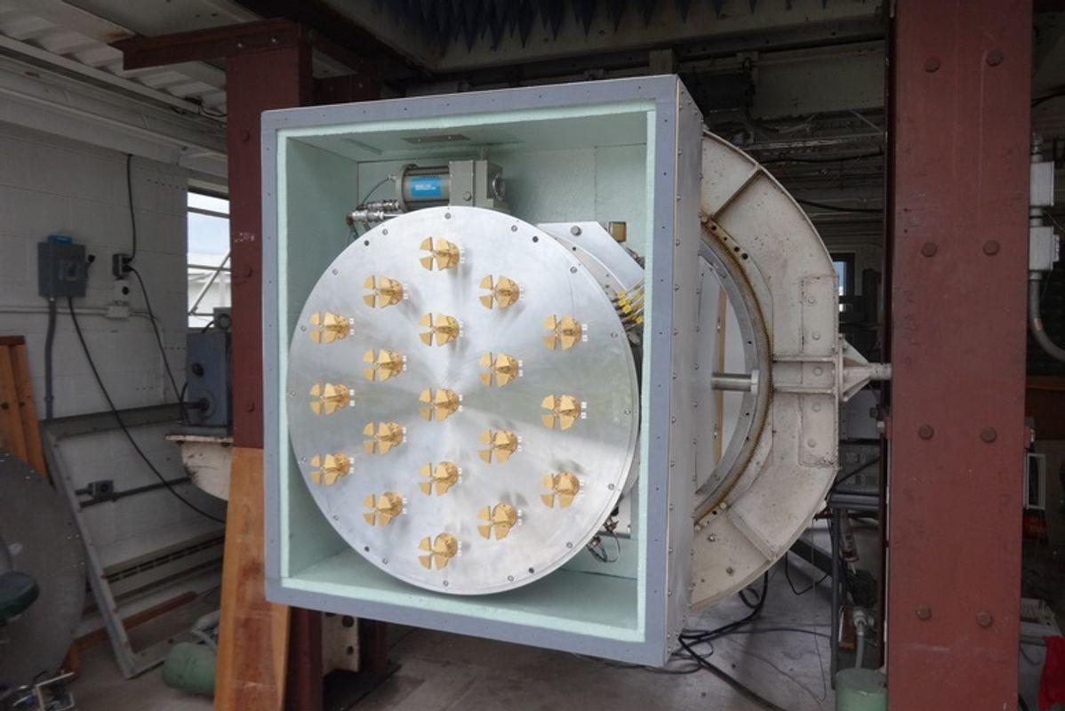 camera lens for a radio telecscop