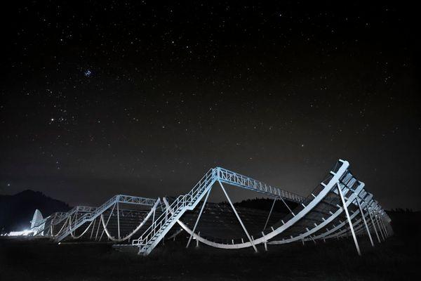 radio telescopes in the dark