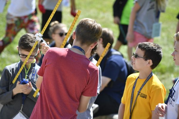 Middle school students work on a project during the 2017 Engineering Challenge Camp