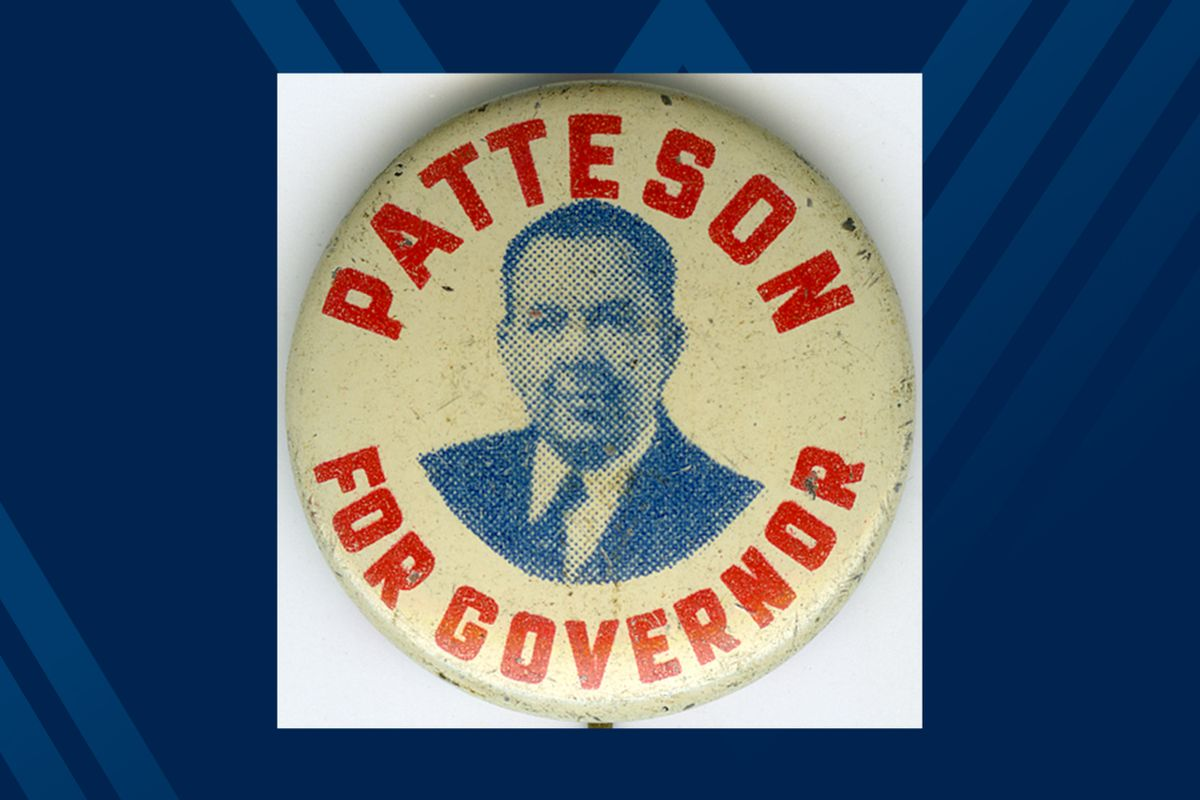campaign button on blue background