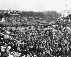 Fans crowd onto old Mountaineer Field