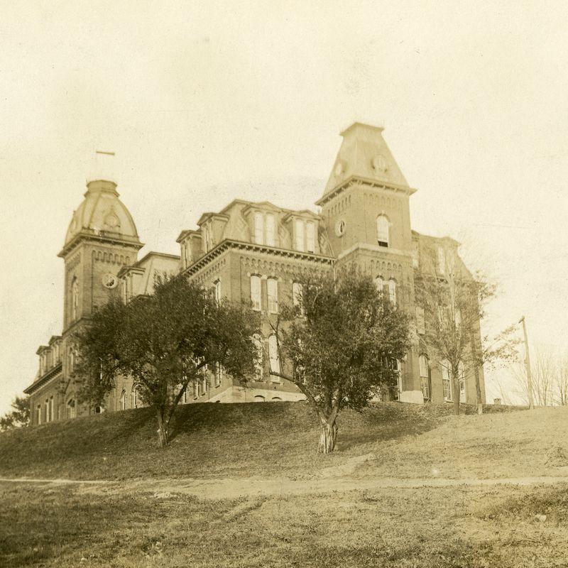 The south end of Woodburn Hall circa 1918.