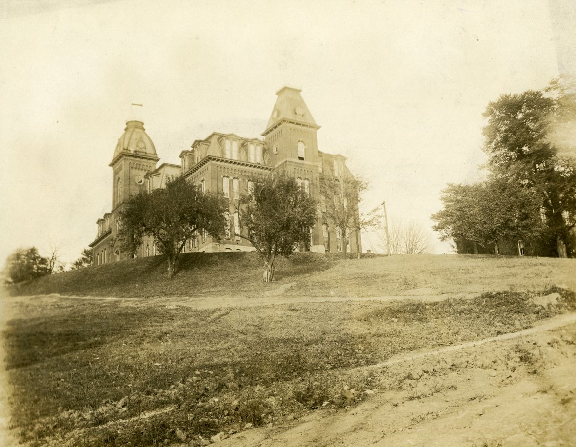 The south end of Woodburn Hall, circa 1918.