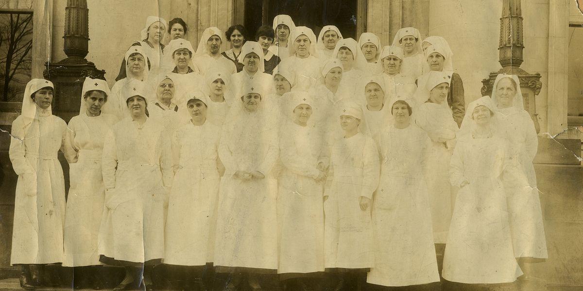 Red Cross nurses in Morgantown during the Spanish flu.