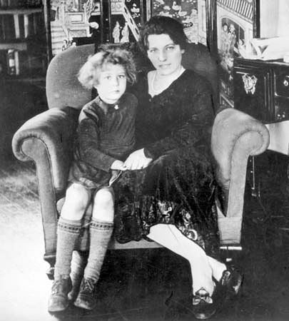 Pearl S. Buck and Carol in the 1920s.