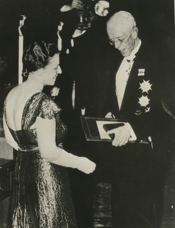 Pearl S. Buck receiving the Nobel Prize from King Gustav V of Sweden, December 24, 1938