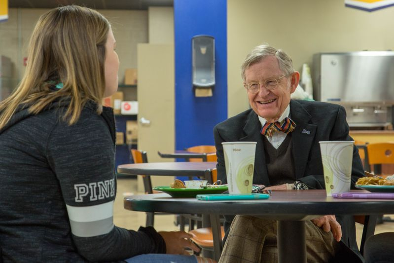Students catch up with President Gordon Gee on the Beckley campus.