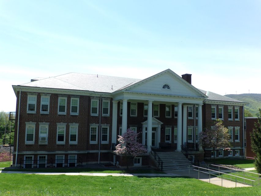 Reynolds Hall at WVU Potomac State College